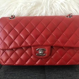 d12d43231a8a Women Chanel Classic Flap Bag Red on Poshmark
